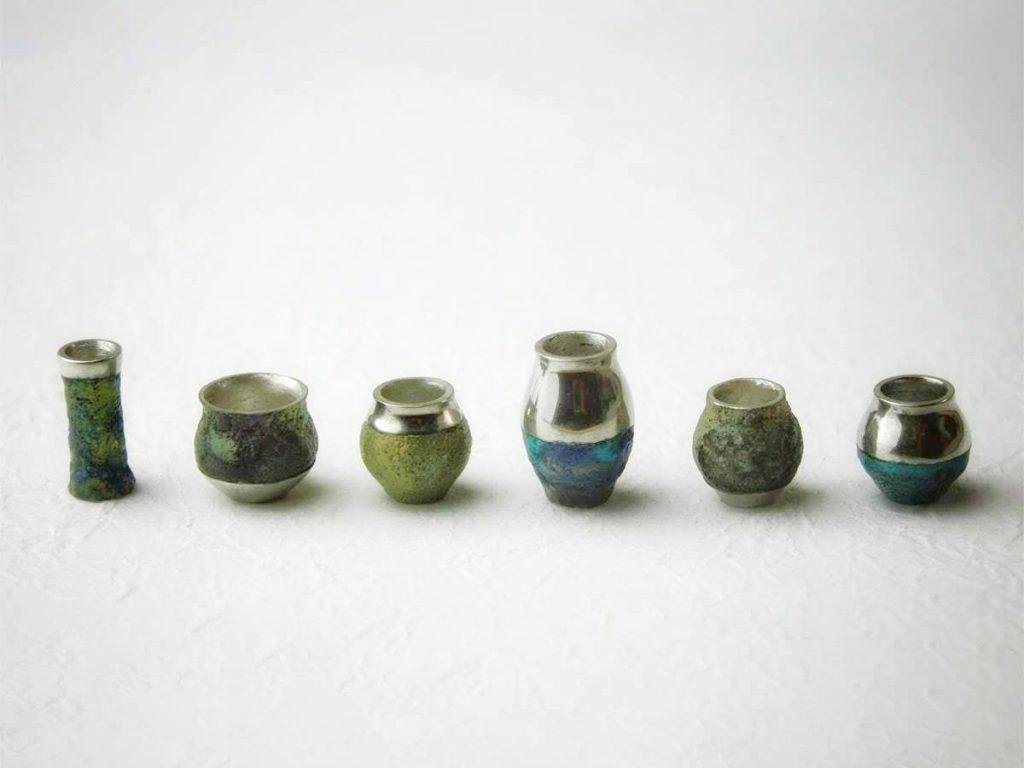 hitotoi(ひととい)の金胎陶芸アクセサリーVase